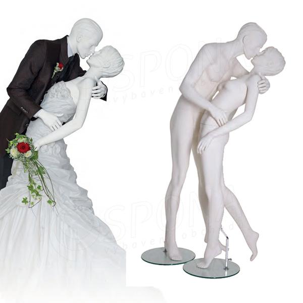 Figurína zamilovaná dvojice, matná bílá